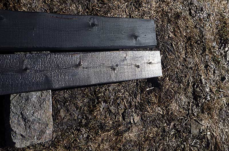 Comparing the Tung oil (top) treated with untreated.